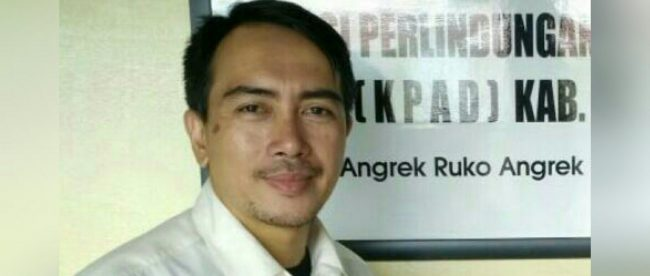 Ketua KPAD Kabupaten Bekasi, M. Rojak di Kantor KPAD Kabupaten Bekasi, Senin 2/7 (dok.KM)