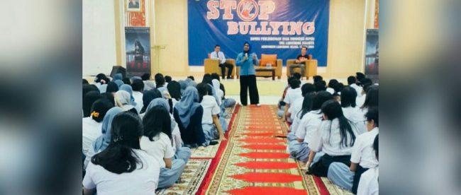 Komisioner KPAI Bidang Pendidikan Retno Listyarti menyampaikan pemaparan tentang