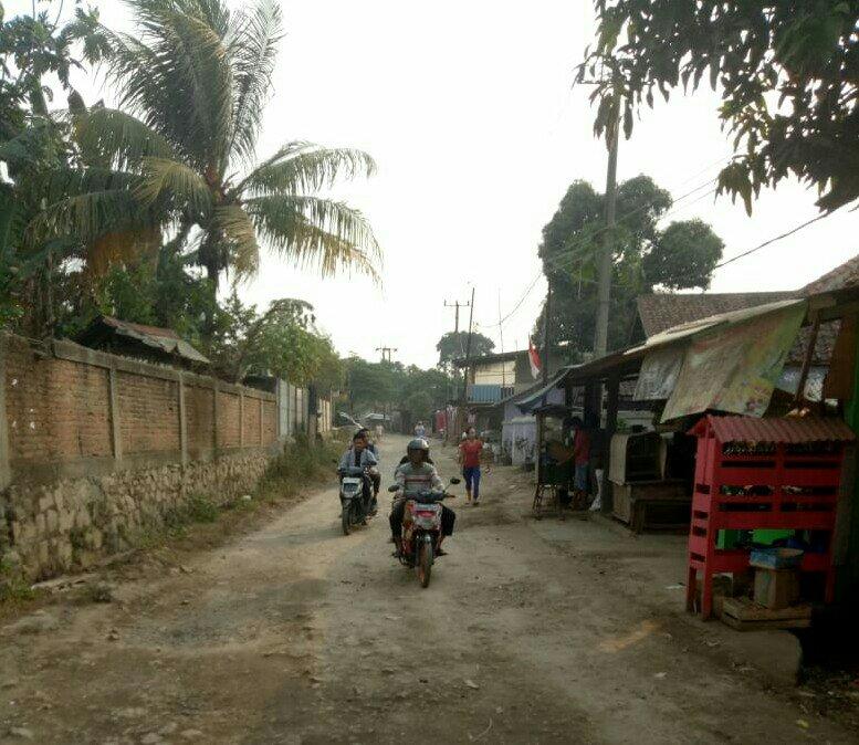 Kondisi jalan Desa Cibunar, Kecamatan Parung Panjang, Kabupaten Bogor (dok. KM)
