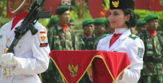 Shany Tania, Pembawa Bendera Pusaka HUT RI di Balaikota Depok, Jumat 17/8/2018 (dok. KM)