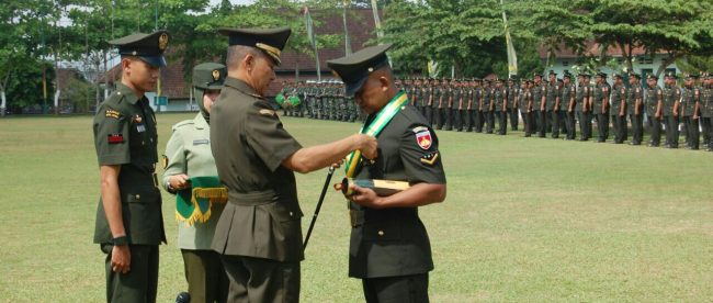 Pelantikan Diktukbasus Babinsa di lapangan Secaba Rindam 14/Diponegoro (dok. KM)