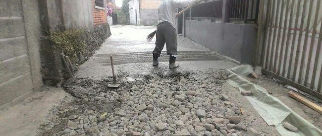 Pembangunan jalan di Desa Parakan, Kecamatan Ciomas, Bogor (dok. KM)