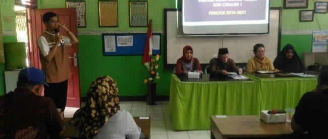 Suasana pemilihan ketua komite sekolah SDN Cibuluh 1, Jumat 21/9/2018 (dok. KM)