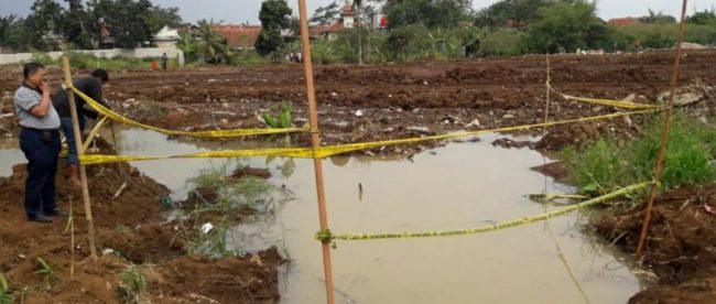 Lokasi tewasnya 5 anak yang tenggelam saat berenang di kubangan air di proyek perumahan di Sukaresmi, Tanah Sareal, Kota Bogor, 18/10 (dok. KM)