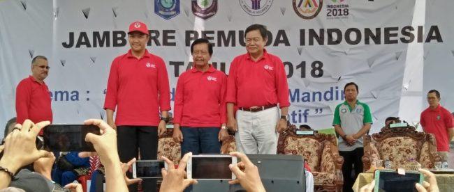 Menpora Imam Nahrawi bersama Bupati Bangka Selatan Justiar Noer Saat pembukaan Jambore Pemuda Indonesia (JPI) di Bangka Selatan, Minggu 7/10 (dok. KM)