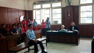 Tedja Widjaja saat menjalani persidangan kasus penggelapan dan penipuan di PN Jakarta Utara, 28/11/2018 (dok. KM)