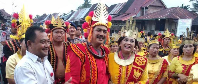 Kapolda Sumatera Utara Irjen Pol Agus Andrianto saat kunjungan kerja ke Desa Wisata Bawamataluo, Nias Selatan, Selasa 6/11/2018 (dok. KM)