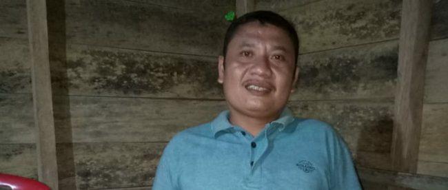 Tokoh masyarakat di Desa Lasara Sowu, Gunungsitoli, Limazaro Ziliwu, saat memberikan keterangan kepada KM, Minggu 4/11/2018dok. KM