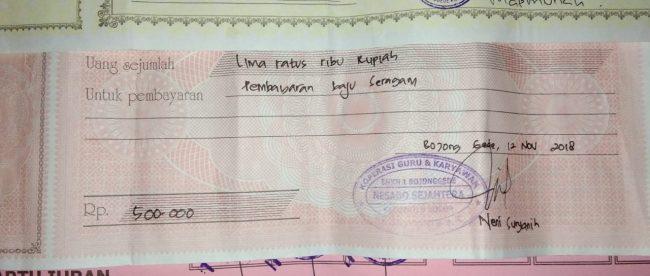 Bukti kwitansi penerimaan pembayaran untuk berbagai pungutan di SMKN 1 Bojong Gede, Bogor (dok. KM)