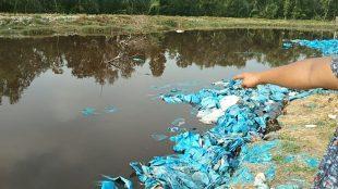 Kolam limbah terasi yang bau busuk dan dialirkan ke Sungai Bagan Asahan, Sumatera Utara (dok. KM)