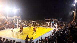 Tim yang bertamding di semifinal turnamen Volley Ball Semi Open II yang digelar Ikatan Pemuda Blang Sibeutong (IPBS) Kecamatan Bubon, Kabupaten Aceh Barat (dok. KM)