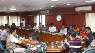 Bupati Subang sedang rapat bersama Sekda Subang, OPD serta para Camat di Ruang Rapat Bupati Subang, Jumat 28/2/2020 (dok. KM)