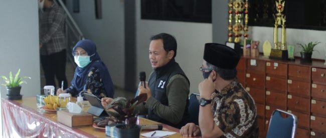 Wali Kota Bogor Bima Arya Sugiarto saat diskusi terbatas dengan sejumlah stakeholder pendidikan dan kesehatan, Sabtu 30/5/2020 (Istimewa)