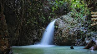 Air terjus di Sungai Kampar, Desa Koto Mesjid, Kampar, Riau (stock)