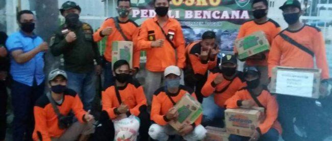 Kader ormas BBRP salurkan bantian kepada korban banjir bandang di Cicurug, Sukabumi, Sabtu 26/9/2020 (dok. KM)