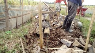 Pengerjaan proyek irigasi P3A Mitra Cai di Desa Citra, Kecamatan Binong, Subang (dok. KM)