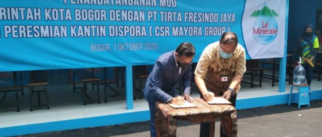 Penandatanganan kerjasama Pemkot Bogor dengan PT. Tirta Fresindo Jaya (Mayora Group) dalam penataan PKL sekitar GOR Pajajaran (dok. KM)
