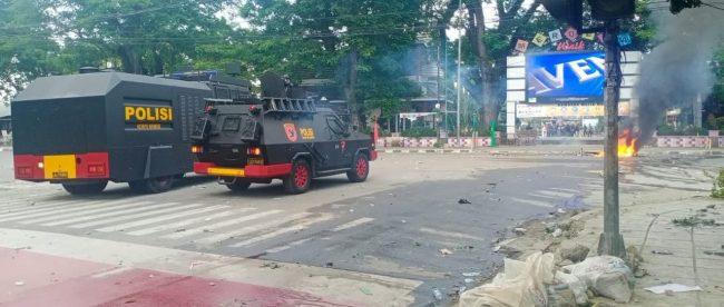 Suasana setelah polisi membubarkan aksi mahasiswa di depan gedung DPRD Medan, Kamis 8710/2020 (dok. KM)