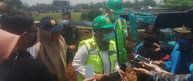 Bupati Bogor Ade Yasin saat meninjau pembangunan penataan Underpass Simpang Sentul, Rabu 14/10/2020 (dok. KM)