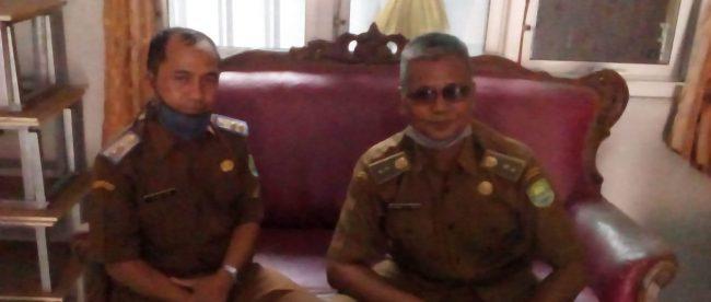 Korwil Pendidikan Tambakdahan, Subang, Mukhamad Ikin Nasiki didampingi Dudu Badrutamam (dok. KM)