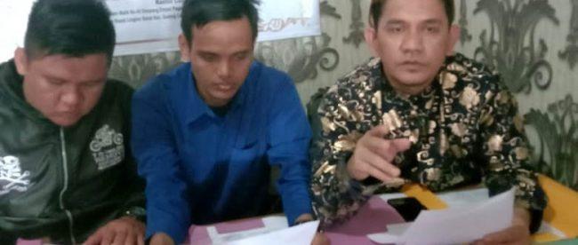 Tim Advokad Bayu Purnomo partner saat di konfirmasi wartawan Rabu (04/11/2020). Sumber foto: Beritamerdekaonline.com