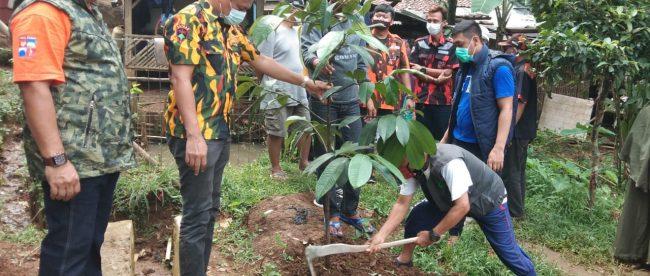 Giat tanam pohon GTP ke-250 di kawasan Curug Mekar, Kota bogor, Minggu 22/11/2020 (dok. KM)