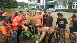 Kegiatan Gerakan Tanam Pohon (KM Stock)