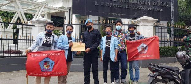 DPD MAPANCAS Kota Bogor Saat Menyerahkan Surat Untuk Presiden Joko Widodo (dok. KM)