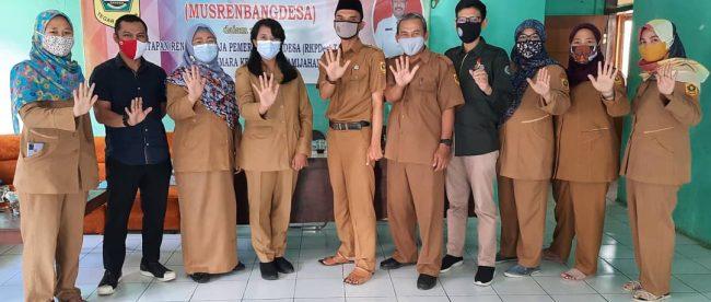 Aparatur Desa Ciasmara dan Bapeddalitbang Kabupaten Bogor (dok. KM)