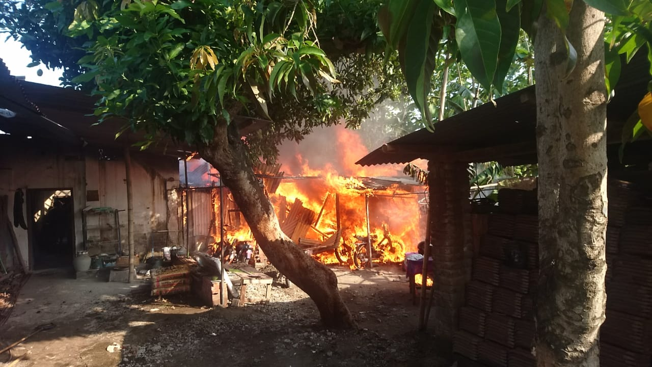 Kebakaran kompor meledak magetan