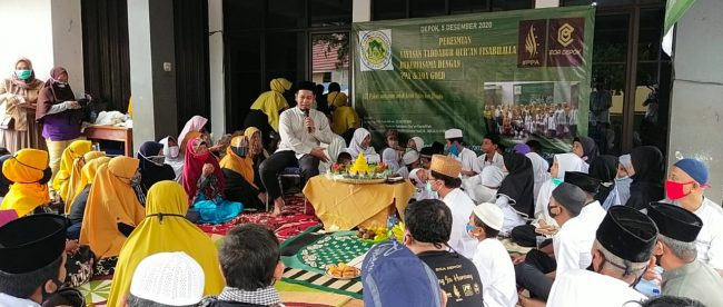 Ustad Farwis memberikan tausiyah kepada anak-anak yatim di Yayasan Tadabbur Qur'an, Sabtu 5/12/2020 (dok. KM)