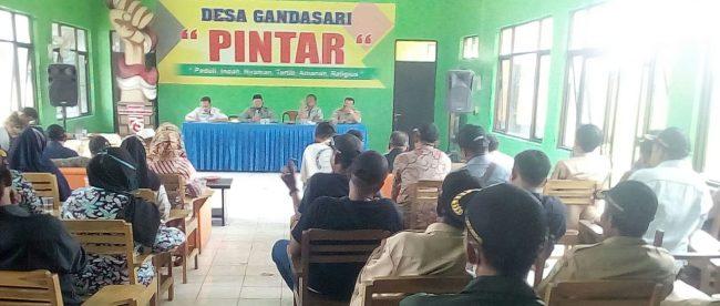 Rapat Minggon Desa Gandasari, Kecamatan Cikaum, Kabupaten Subang (dok. KM)