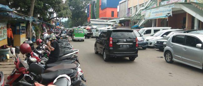 Lahan parkir di kawasan sekitar Pasar Kebon Kembang, Kota Bogor (dok. KM)