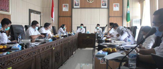 Rapat Rencana Penggeseran Penjabaran APBD TA 2021 di Ruang Rapat Lantai III Kantor Gubernur,pada Rabu (27/01/2021)