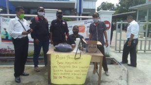 Aktivis usai aksi unjuk rasa di depan BRI Cabang Tanjungbalai, Senin 4/12/2020 (dok. KM)
