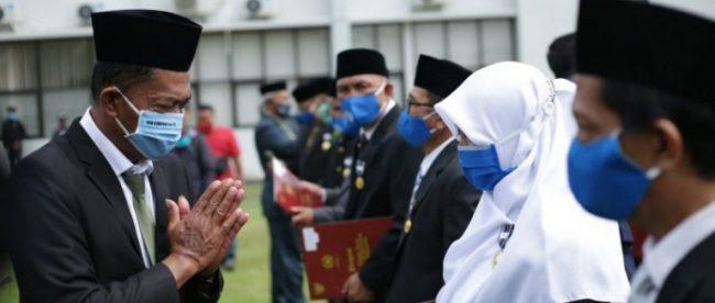 Bupati Subang Ruhimat usai melantik pengurus baru BAZNAS Subang, Selasa 5/1/2020 (dok. KM)