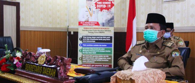 Hamka Sabri usai mengikuti Rapat Rutin Koordinasi Monitoring Pelaksanaan Vaksin Covid-19 via Virtual Meeting, di Ruang VIP Pola Provinsi Bengkulu, Selasa (02/02).