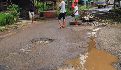 Gorong-gorong rusak di ruas jalan kabupaten di Desa Tanjung, Kecamatan Cipunagara, Subang (dok. KM)