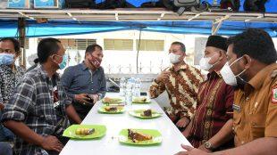 Wakil Gubernur Sumatera Utara dan Wali Kota Tanjungbalai serta ketua PWI Sumatera Utara bersilaturahmi ke salah satu tokoh pers Sumut (dok. KM)