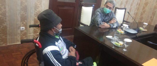 Muhammad Hilman alias Eman 25, atlet olahraga disabilitas saat berdikusi dengan Wakil Wali Kota Bogor, Jumat 5/2/2021 (dok. KM)