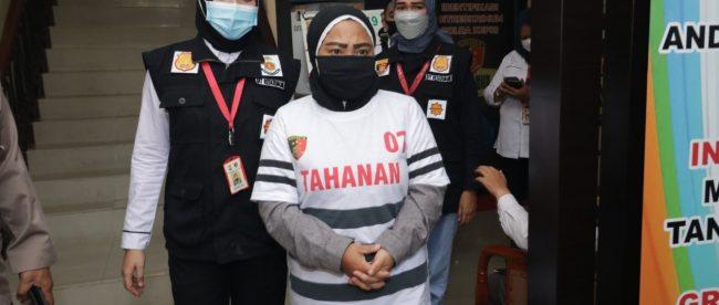 Pelaku penempatan pekerja migran Indonesia ilegal yang diamankan oleh Polda Kepri (dok. KM)