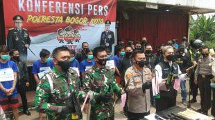 Konferensi Pers penangkapan oknum ormas yang diduga akan membuat kekacauan di wilayah hukum Kota Bogor (dok. KM)