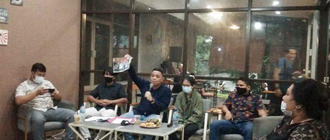 Relawan penggalang dana untuk Mahfud bersama Kuasa Hukum saat Konferensi Pers (dok. KM)