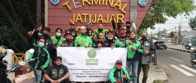 Pengurus dan Anggota SOTER Jatijajar usai berbagi takjil, Sabtu 8/6 (dok. KM)