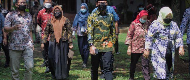 Wali Kota Bogor Bima Arya Sugiarto saat meninjau Disperumkim Kota Bogor (dok. Prokompimda)