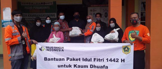 Pembagian paket Sembako PT. Solusi Bangun Indonesia Tbk (dok.S IG)