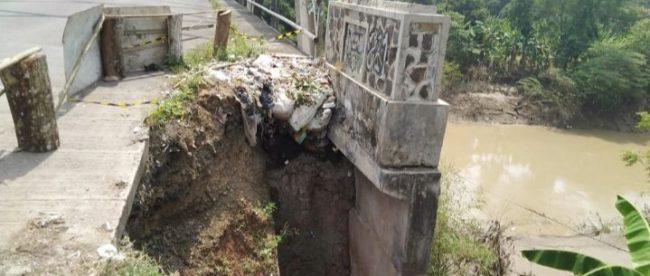 Kondisi jembatan di atas Kali Cipunagara, Compreng, Subang (dok. KM)